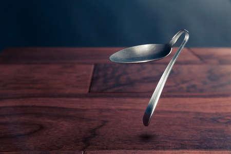 spoon bending, psychokinesis, power of the mind