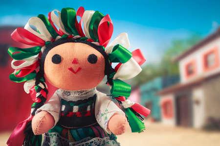 Photo pour Mexican rag doll in a traditional dress - image libre de droit