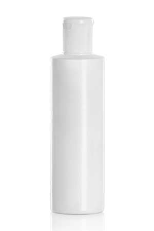Photo pour White plastic cosmetic bottle isolated on white - image libre de droit