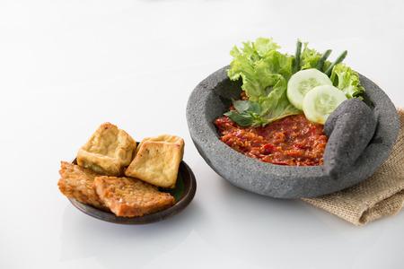Foto für traditional indonesian culinary food. sambal and penyetan tempe tahu - Lizenzfreies Bild