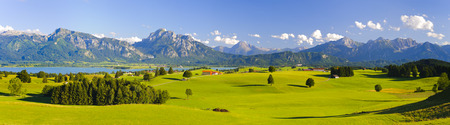 Photo pour wide panorama landscape in Bavaria, Germany, with alps mountains - image libre de droit