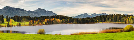 Photo pour panoramic view to beautiful lake Hopfensee in Bavaria, Germany - image libre de droit