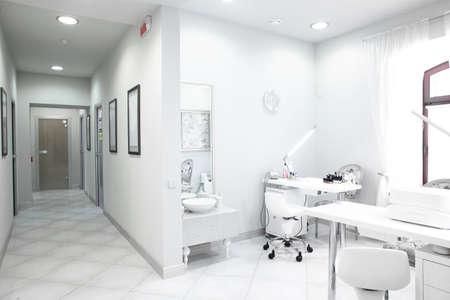 Photo pour brand new and empty european luxury medical clinic - image libre de droit