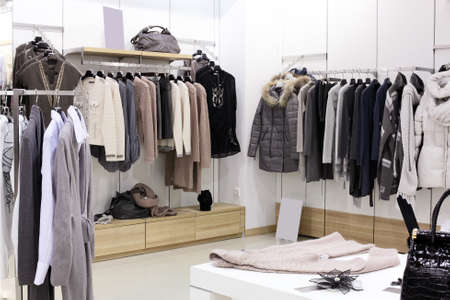Photo pour luxury and fashionable brand new interior of cloth store - image libre de droit