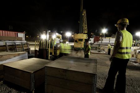 Photo pour Night photography of construction works, Spain - image libre de droit