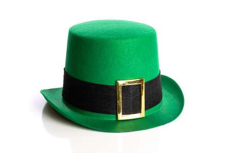Photo pour Saint Patricks day hat on a white background. Leprechaun hat - image libre de droit