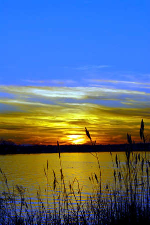 Photo pour Sunset on the Chesapeake Bay in Maryland - image libre de droit