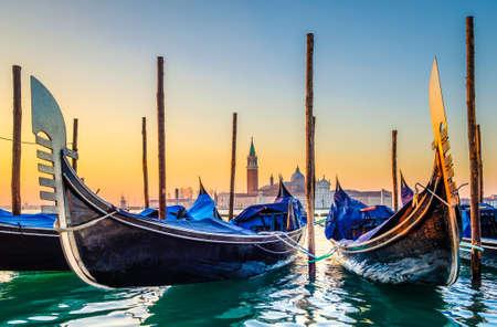 Foto de typical famous gondolas in venice - italy - Imagen libre de derechos