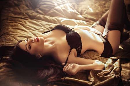 Photo pour Sexy beautiful brunette girl in underclothes - image libre de droit