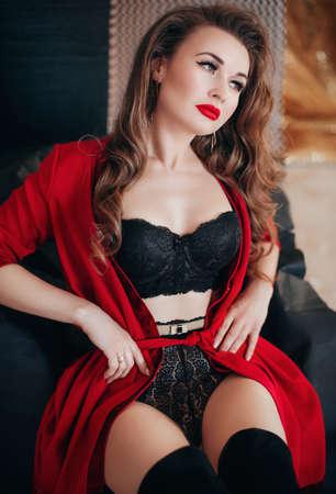 Photo pour Sexy beautiful woman in black underclothes. Stock photo. - image libre de droit