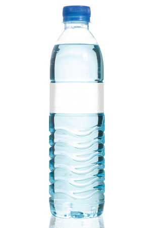 Photo pour Mineral water bottle with blank label. Isolated on white background - image libre de droit