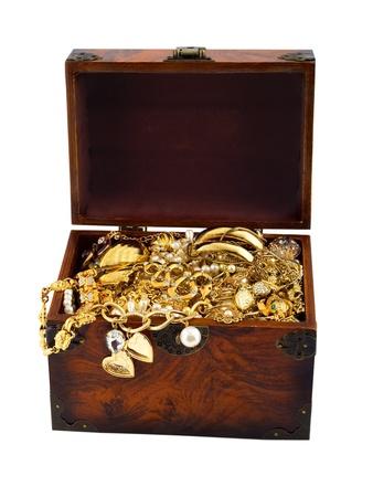 Photo pour Treasure chest with snake golden diamond bracelet pearl - image libre de droit