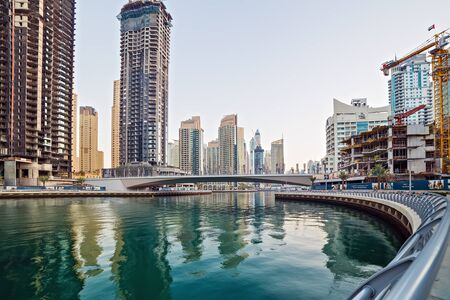 Photo pour DUBAI, UAE - January 25, 2016: Dubai skyscrapers, hotels near The Walk at JBR on Dubai Marina World Tallest Tower travel and tourism Dubai, United Arab Emirates - image libre de droit