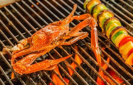 Photo pour Crab Cooking bbq steamed Food Background - image libre de droit