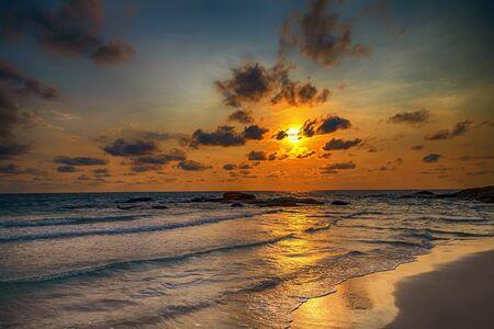 Photo pour ocean beach sunrise atlantic Dominican republic - image libre de droit