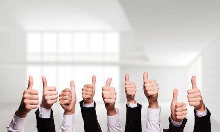 Photo pour many thumbs up - image libre de droit