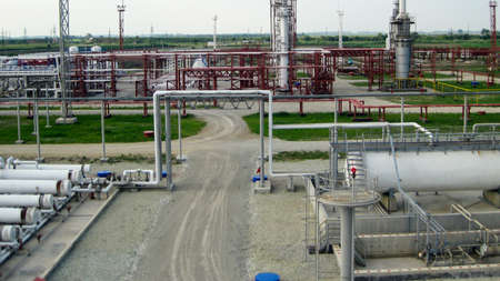 Photo pour Oil refinery. Equipment for primary oil refining. - image libre de droit