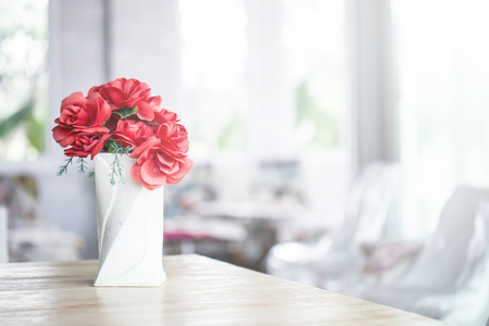 Photo pour decorative flowers on the table - image libre de droit