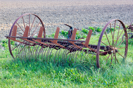 Outil agricole antique