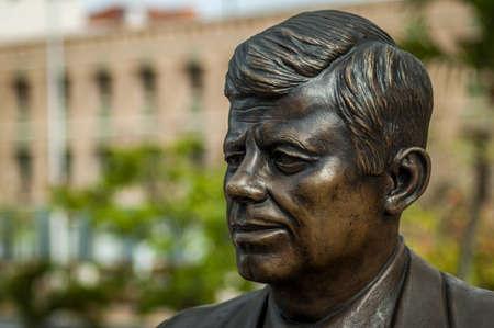 statue of President John F. Kennedy