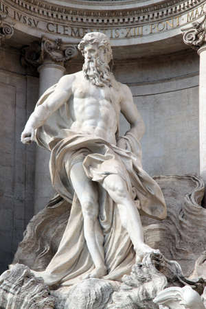 Foto per Famous statue Ocean in Trevi - Immagine Royalty Free