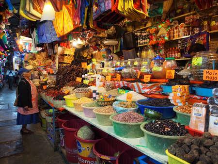 Photo pour Local markets in Oaxaca, Mexico - image libre de droit