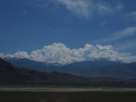 Photo pour Toktogul reservoir Kyrgyzstan - image libre de droit