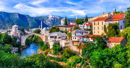 Photo pour Iconic Mostar town with famous old bridge. Travel in Bosnia & Herzegovina - image libre de droit