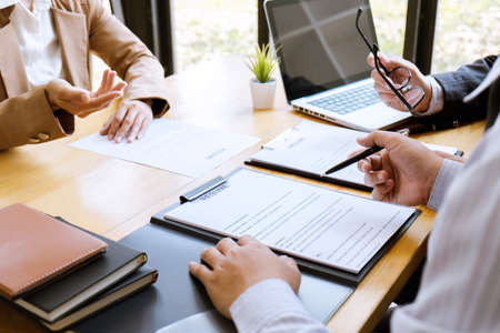 Photo pour Business woman explaining about his profile to two selection committee manager sitting in during job Interview, interview the job and hiring. - image libre de droit