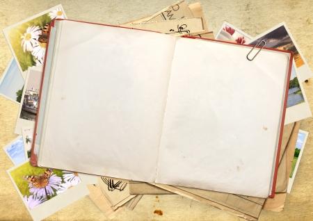 Foto de Old book and picture,Objects over old paper - Imagen libre de derechos