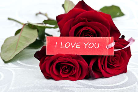 Rose bouquet and love you message