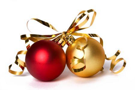 Photo pour Two cristmas baubles with gold ribbon bow - image libre de droit
