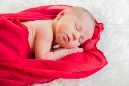 Photo pour Sleeping Newborn Girl First Photo Shoot At Home - image libre de droit