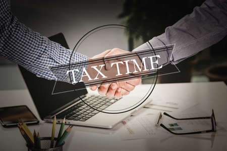 BUSINESS AGREEMENT PARTNERSHIP Tax Time COMMUNICATION CONCEPT