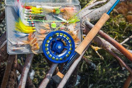 Photo pour saltwater fly fishing rod in mangrove -Caribbean sea- los roques venezuela - image libre de droit