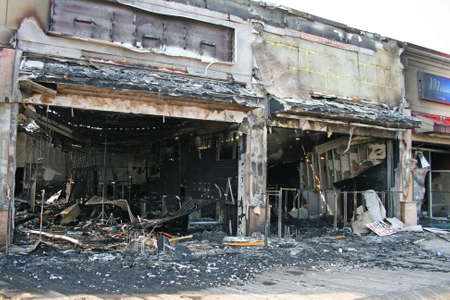 Photo pour A fire destroyed five stores on the Atlantic City Board Walk - image libre de droit