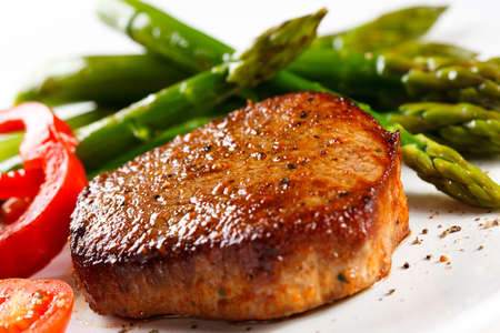 Grilled steak and asparagus