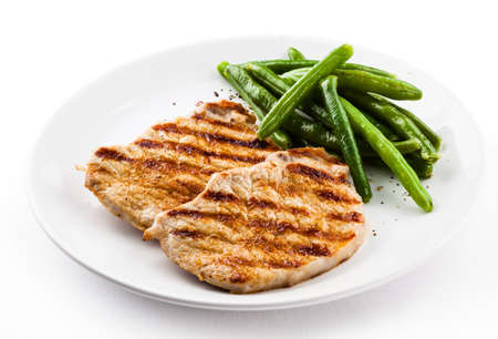 Grilled steaks and string bean