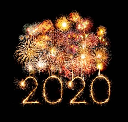 Photo pour 2020 happy new year fireworks written sparkling sparklers at night - image libre de droit