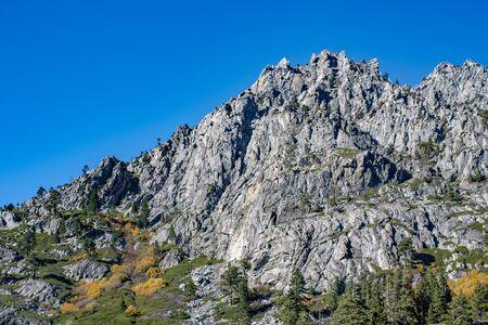 Photo pour USA, California, El Dorado County, Lake Tahoe Basin: Granite Monolith Above trail to Eagle Lake. - image libre de droit