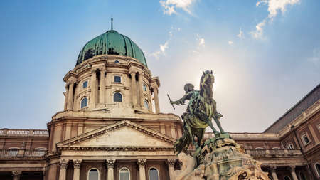 Photo pour Prince Eugene of Savoy's Equestrian Statue at Buda Castle in Budapest, Hungary - image libre de droit
