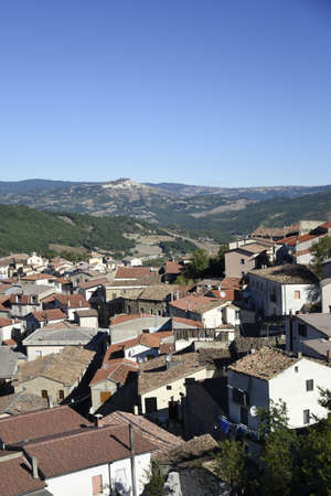 Foto de Panoramic view of Laurenzana a rural village in the mountains of the Basilicata region, Italy. - Imagen libre de derechos