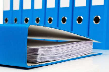 Photo pour file folder with documents and documents. retention of contracts. - image libre de droit