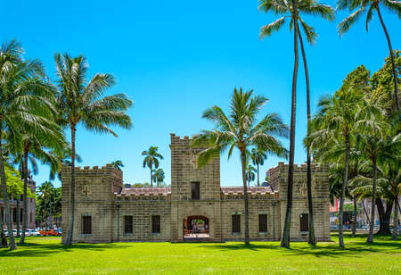 Photo pour Honolulu, Hawaii , Historic Center, the Iolani Barrack castle - image libre de droit