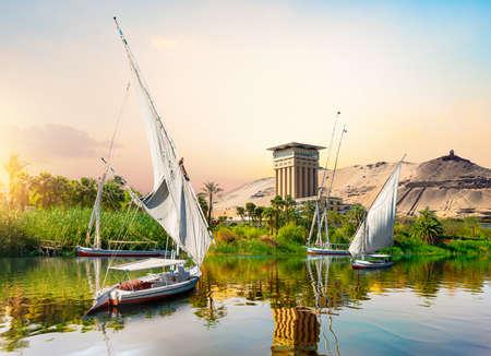 Foto de River Nile and boats - Imagen libre de derechos
