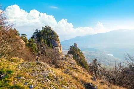 Photo pour Mountains in the valley of ghosts. Crimea - image libre de droit