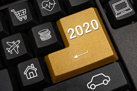 Foto de Computer keyboard and 2020 New Year's wish concept - Imagen libre de derechos
