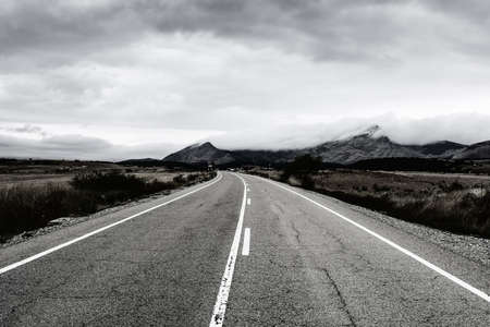 Photo pour Winding asphalt road of Europe Peaks in Spain early morning - image libre de droit