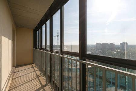 Photo pour view from the balcony of the apartment building - image libre de droit