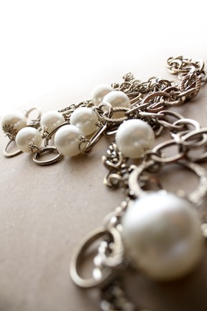Photo pour Beautiful Necklace jewelery in a moody atmosphere - image libre de droit